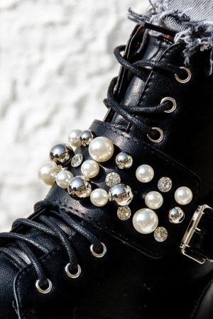 Emma gležnarji s perlami
